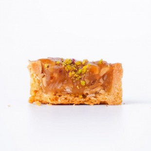 PETITE CARAMEL TART WITH NUTS