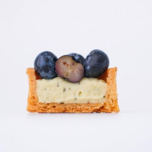 Petite Mojito Tart with blueberry