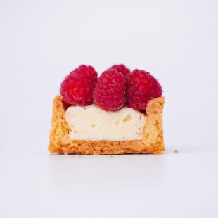 Petite Berry Tart (with raspberry)
