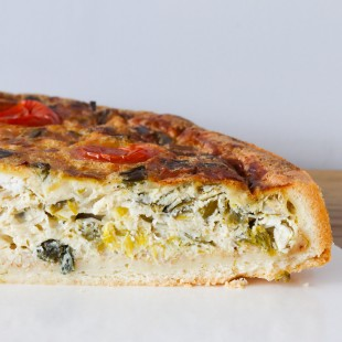 Leek, feta cheese & cherry tomatoes quiche